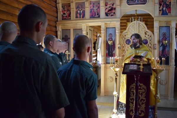 В храме Брянской ВК состоялся праздничный молебен в честь Вознесения Господня