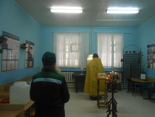 Осужденные отряда по хозяйственному обслуживанию СИЗО-1 приняли участие в богослужении